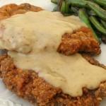 chicken-fried-steak-with-creamy-white-gravy