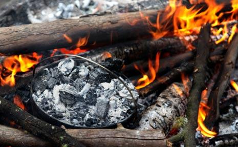 Dutch-oven-campfire